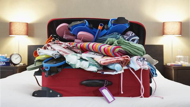 over-packing-for-hawaii-640x360