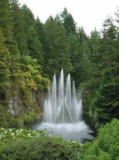 3-1379493462-1-ross-fountain