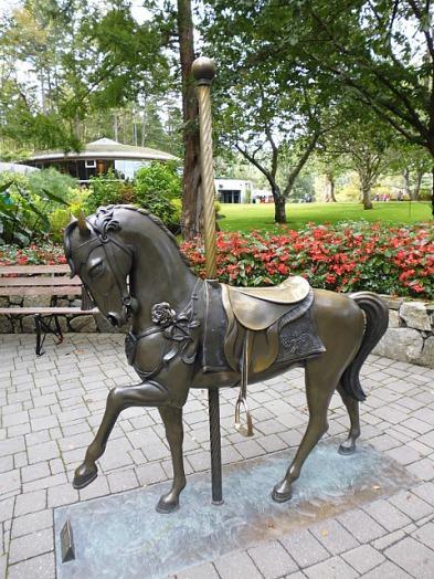 3-1379493462-carousel-horse