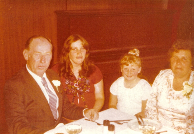 Chris & Lesley's Wedding-04.jpg